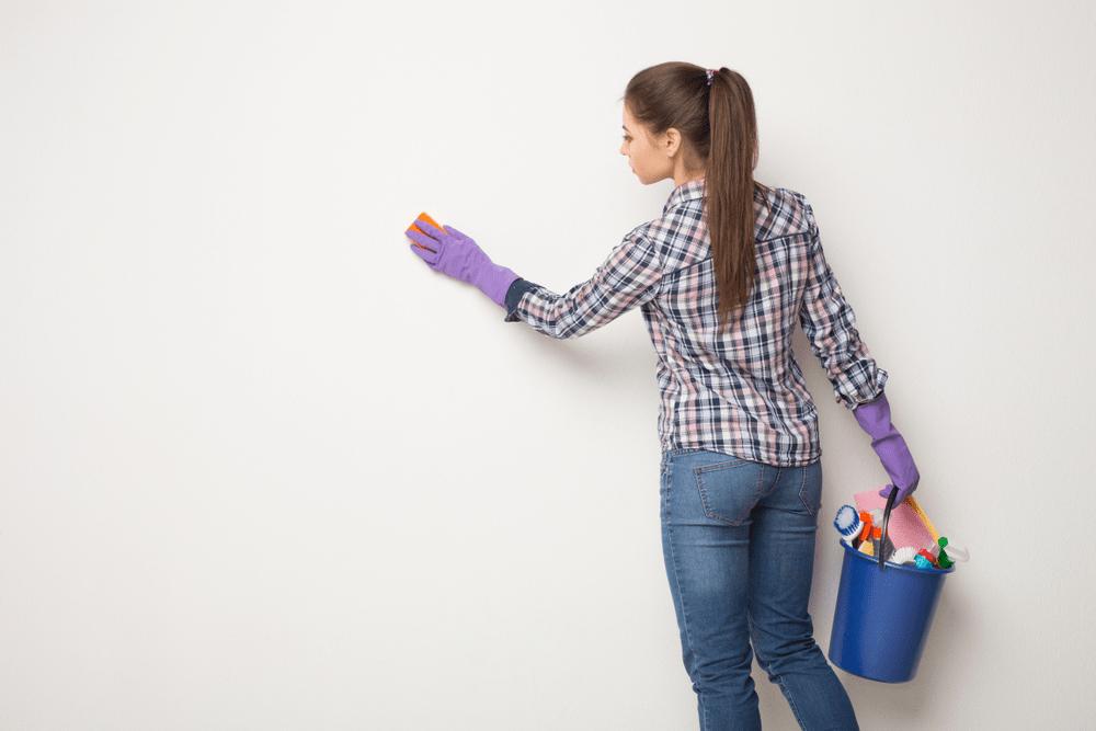 Duvar ve Tavandan İnatçı Lekeleri Çıkarma